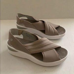 💥Bzees Sandals - Size 9M💥